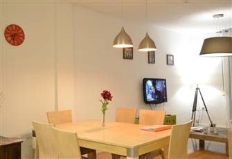 Charming Spacious 3-Br Apt in the Heart of Downtown Malaga