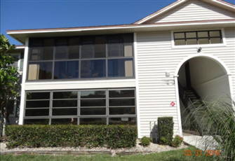 Perfectly Located Ft Myers Condo in Beautiful Gated Community
