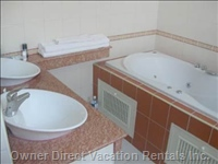 Bathroom 1 with Jacuzzi Tub