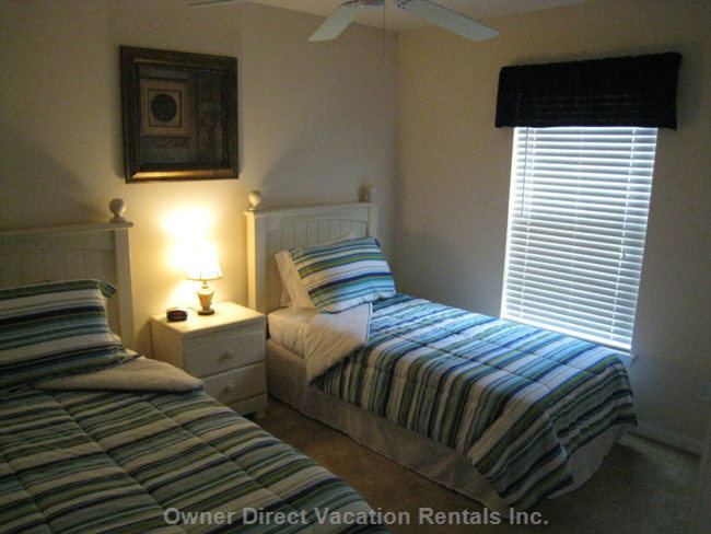 4th Bedroom with 2 Twin Beds and Large Double Closets