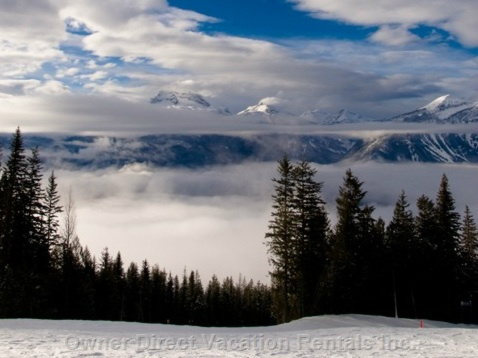 Ski Revelstoke: Amazing Views of the Surrounding Mountain Ranges!