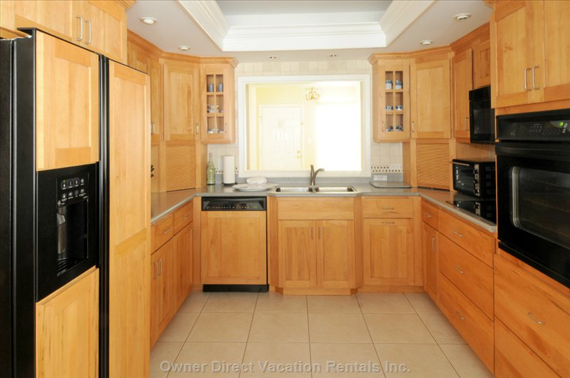 Plan your Dining around you, in your Fully Equipped Kitchen.