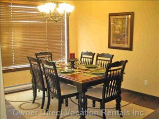 Dining Area, Comfortably Seats 6