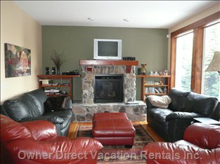 Gas Fireplace, Rustic Cathode Ray Tube TV, Wifi, Surround Sound System