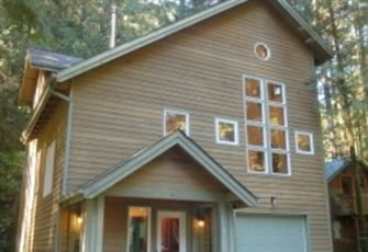 Executive Style Cabin that Sleeps 8!