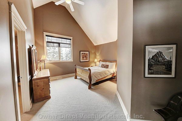 Upper Level Queen Bedroom