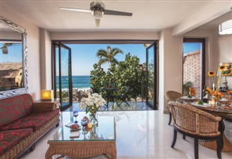 Beautiful 2 Br Beachfront Condo