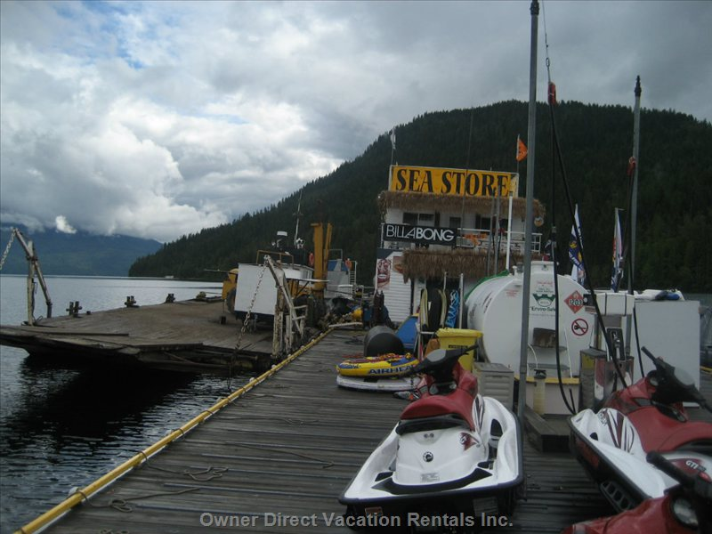 The Floating Seastore - Only Accessible by Boat. Short 30min to 45min Boat Ride from Sicamous.