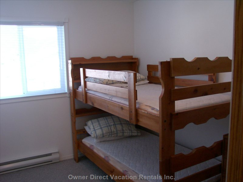 Single Bunk Beds - all Beds Are Made up Including Comforter/Bed Linens and Pillows.