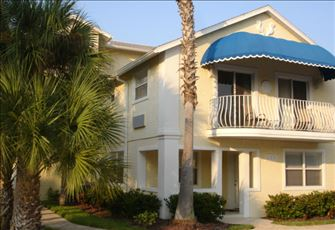 Steps to the Beach...Spacious 1br/1b on Siesta Key, Fl....You Will Love it Here!