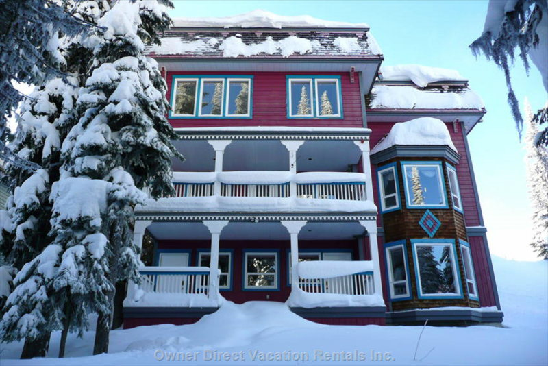 Fabulous Home Backing Right on the Multi Trail, for Easy Access to Nordic and Downhill Skiing