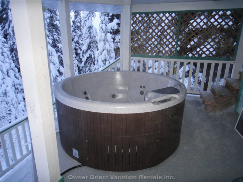 Main Floor Hot-tub