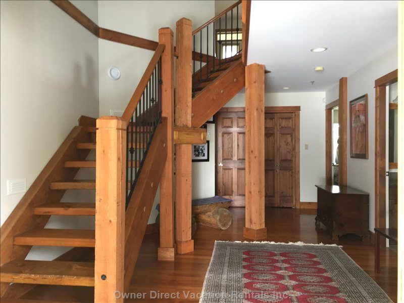 Large Open Entry Way - Stairs from Entryway to Upper Level