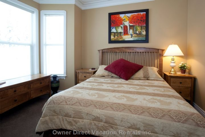 3rd Bedroom ( Queen)