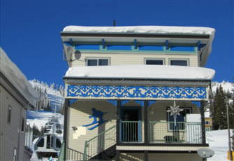 Best Location on the Mountain!!! Ski In/Out A Home Away From Home