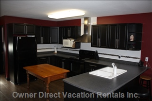 Kitchen - Open Concept, Fully Equipped, Eating Bar, Full Size Appliances.
