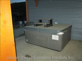 Private out-Door Hot Tub - Ideal for 5!