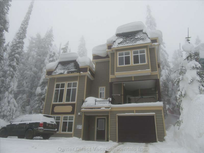 Beautiful Mountain Home with Ample Parking