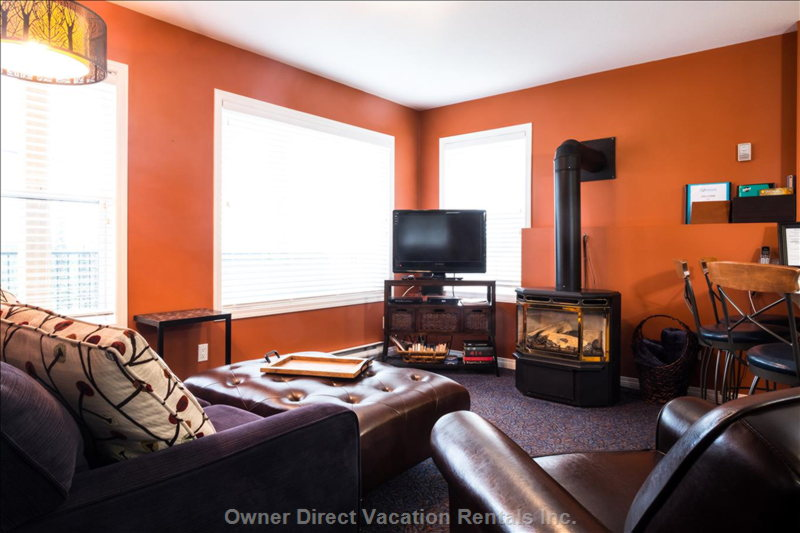The Living Room has Views of Silver Queen Chairlift and Valley Views.