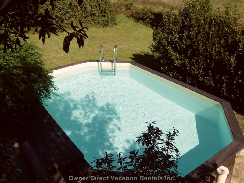 The Oudoor Pool in the Garden