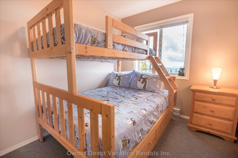 Bed 4: a Ski Condo Needs a Set of Bunks. This one has a Bonus of Incredible Views. Twin on Top, Full on Bottom.