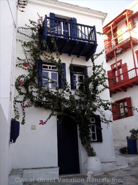 Townhouse in the Heart of the Village, no Cars,