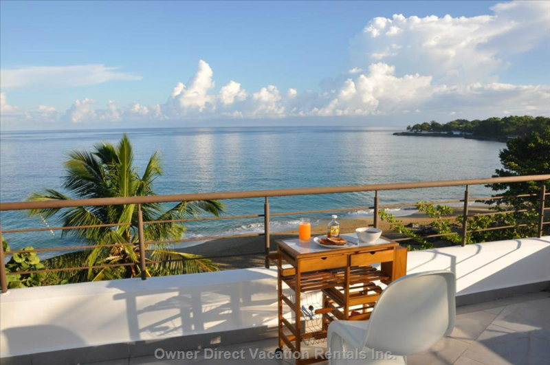 Breakfast on Terrace, with View on Private Beach!