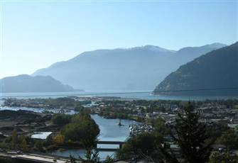 Spectacular Views of Howe Sound.