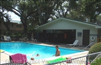 Enjoy Private Pool/ Tennis Court / Ping-pong / Laundry...