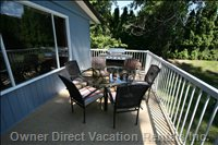 Enjoy your Meals on the Deck Looking at Okanagan Lake, Bbq Right There,