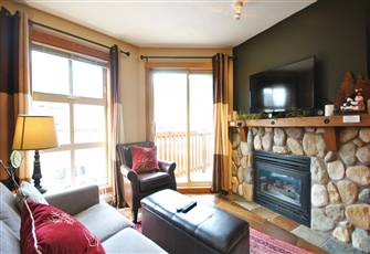1 Bedroom Condo, Sleeps 4. Located in the Heart of Sun Peaks!