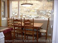 Maple Breakfast Table Overlooking Ski Runs. - Watch Kids Ski Home from Kitchen Table.  Connector Run and Blazer Run Funnel past the Kodiak.