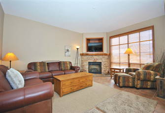 Great 3 Bedroom and Den Condo