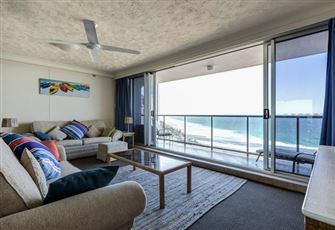 Stunning Unobstructed Views of the Surfers Paradise from this 21st Floor