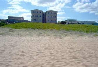Beach side Holiday Unit At Narrabeen, Sydney