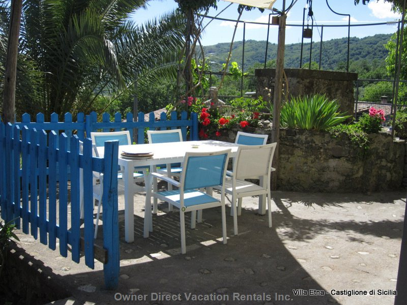 Al Fresco Dining with Lovely Country Views, Bbq Grill and Ancient well