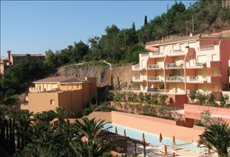 Beautiful 2-Bedroom Apartment in Esterel Bay Complex (Miramar) - one of a Kind!