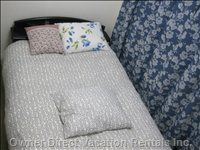 Double Bed Sleeps 2
