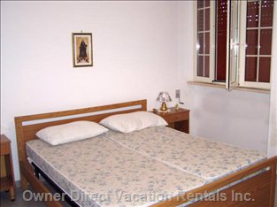 Two Twin Beds, Creating Large Double Bed.
