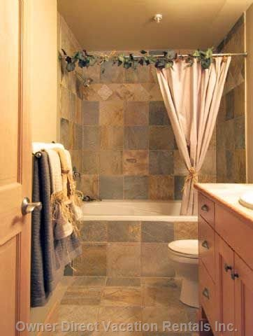 Main Bath with Soaker Tub