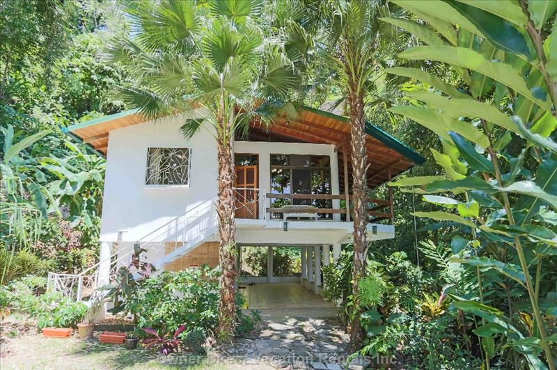 Exotic escape to 3bedroom rainforest home in Quepos, ID#209625