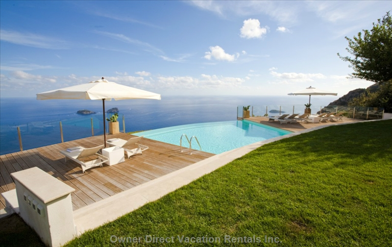 4-Bedroom villa with infinity pool, hot tub and amazing oceanview, ID#45557