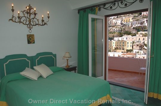 Apartment with panoramic view of Positano town center and shopping area
