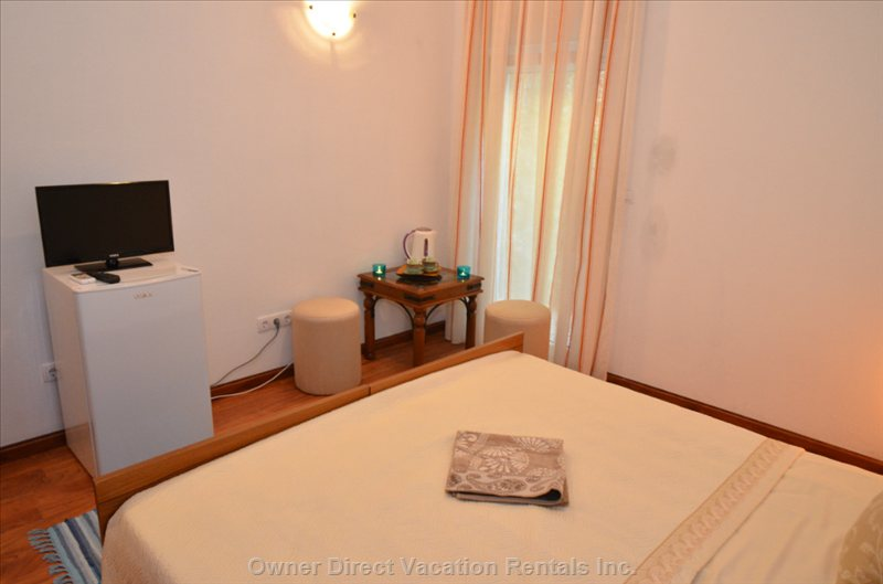 Double Room with Satellite Tv, Air Condition and Coffee Maker