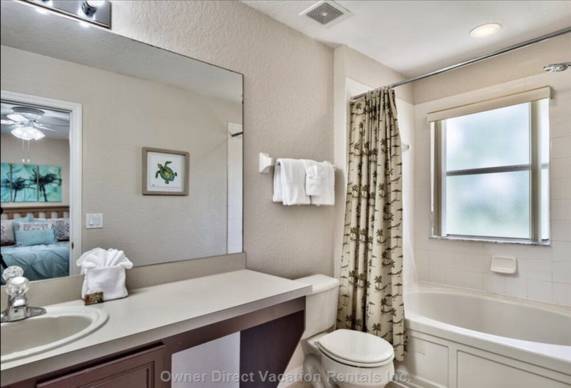King Master Ensuite with Garden Soaker Tub