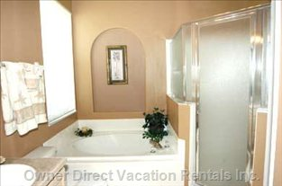 Master En-suite with Walk in Shower and Walk in Closet
