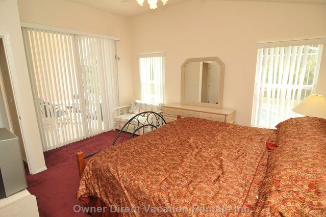 Master King Bedroom with  Private Ensuite Bath Room - Direct Access to Deck