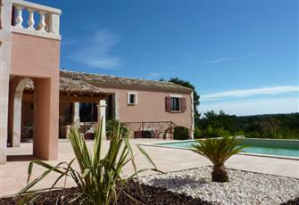 Villa Holiday France Offers a New Luxury Private Property with Pool in Uzes