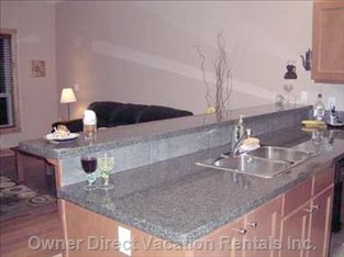 Kitchen Counter/Eating Bar
