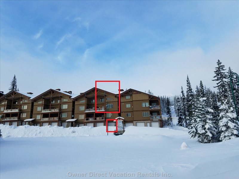 Top Two Floors of Snowy Creek Lodge with Private Heated Parking for 2 Vehicles